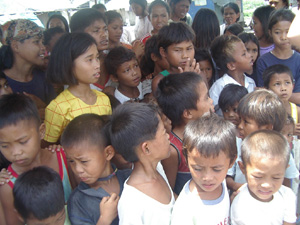 PHILIPPINES: Displaced families starving due to abject poverty in General Santos City, Mindanao