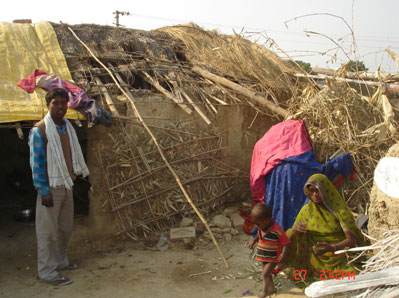 INDIA: Nine families suffer from hunger due to alleged corruption and negligence